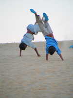 041212041924_playful_boys_in_the_thar_desert_of_jaisalmer