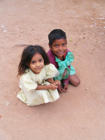 050101170652_two_little_kids_in_khajuraho