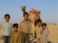 041214030128_five_childrens_and_the_camel