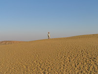 041212031214_musician_and_sand_dune
