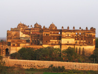 050102165830_raj_mahal_at_sunset