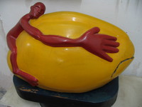 041218025928_red_man_hugging_a_yellow_egg