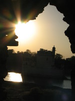 041219170830_sunset_lake_palace