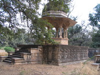 041221140454_royal_cenotaphs