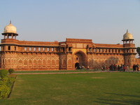 041227160902_agra_fort