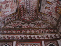 050103103230_ceiling_painting_in_raja_mahal