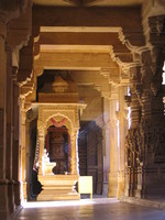 041214213626_heavenly_enlightenment_in_jain_temple_of_jaisalmer