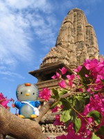 041231142526_hello_kitty_in_khajuraho