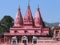 041205235152_pink_temple