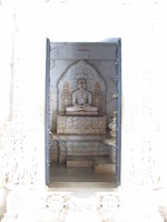 041217001540_jain_god_in_white_marble
