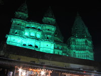 050102182234_chaturbhuj_temple_at_night