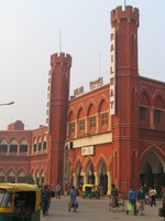 041130004518_old_delhi_train_station