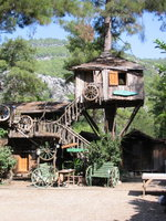 006_olimpos-kadir_tree_house_is_ok