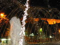001_fountain_at_night