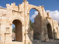 001_jerash_south_gate