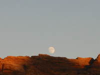 012_moon_rise_at_petra