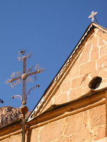 027_church_and_cross