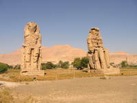 001_colossi_of_memnon