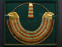 023_necklace_of_tut