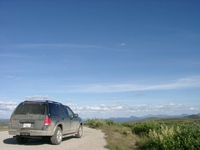 07230010_ford_explorer_on_top_of_the_world