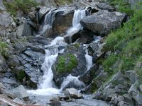 07190081_waterfall_above_water_tunnel