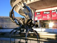 01030002_giant_crab_in_front_of_space_center