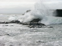 06230012_giant_waves