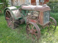 11150008_old_tractor