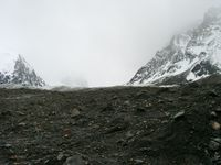 11180015_rocks_broken_by_glacier