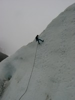11180037_fernando_climbing_down_the_ice_wall