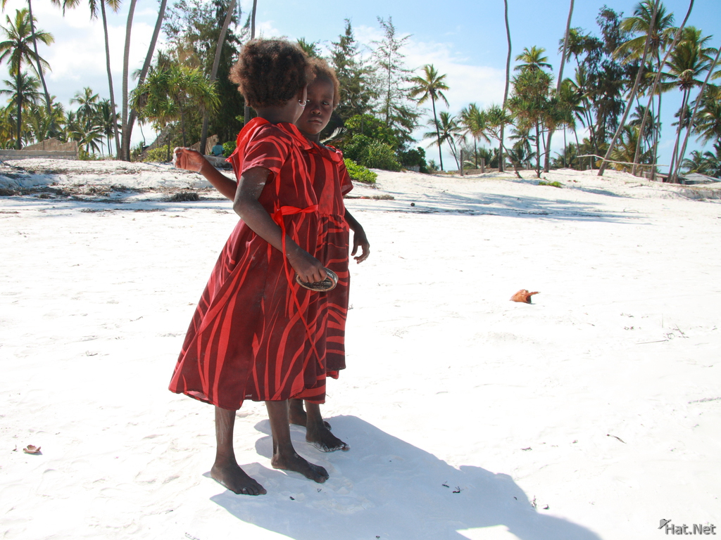 twin girls on matemwe beach