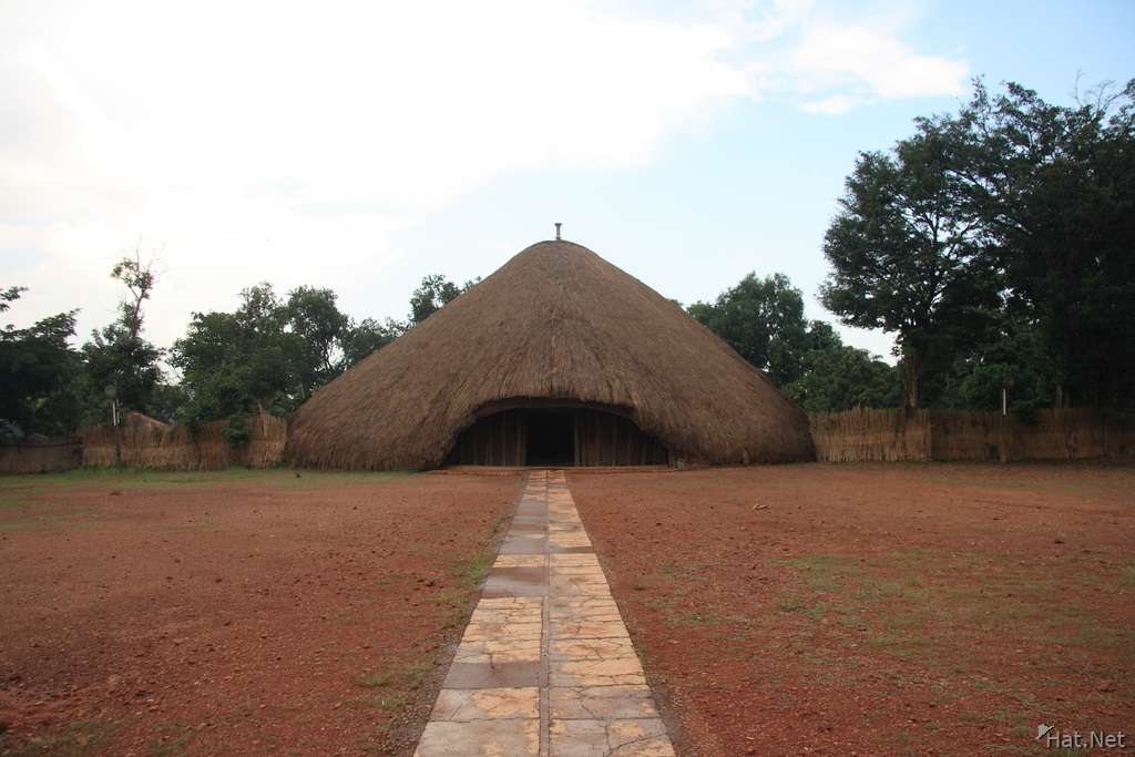 road to kasubi tomb