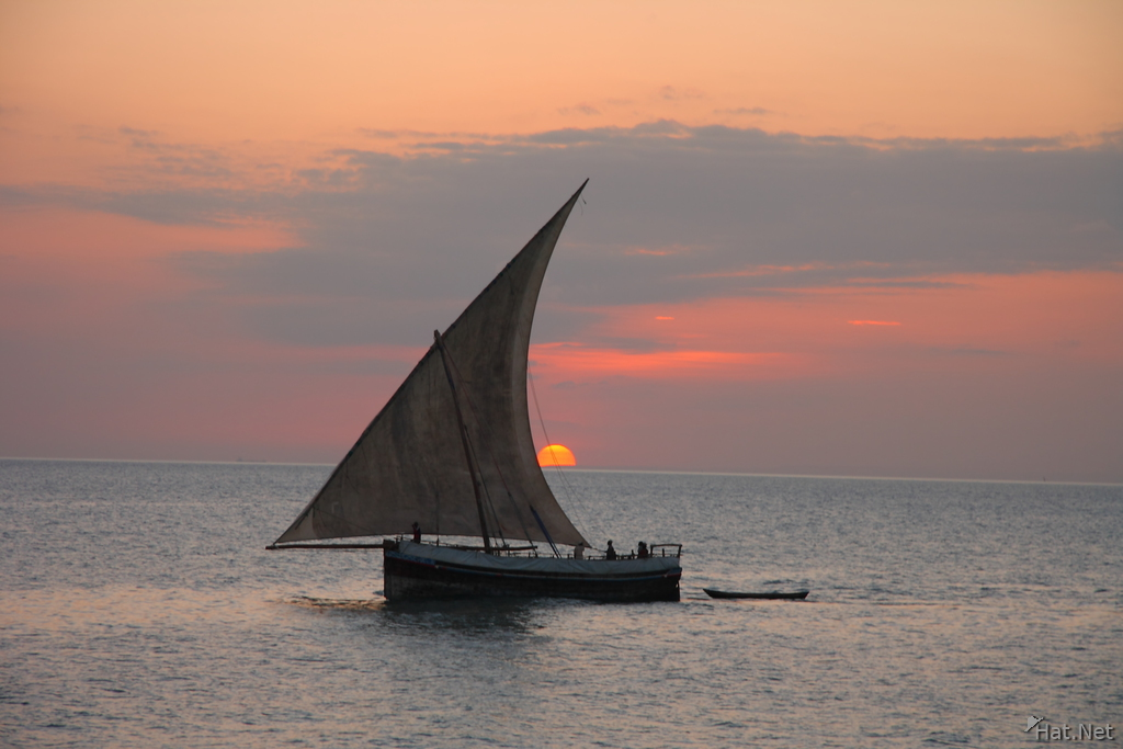 view--dhow boat sunset