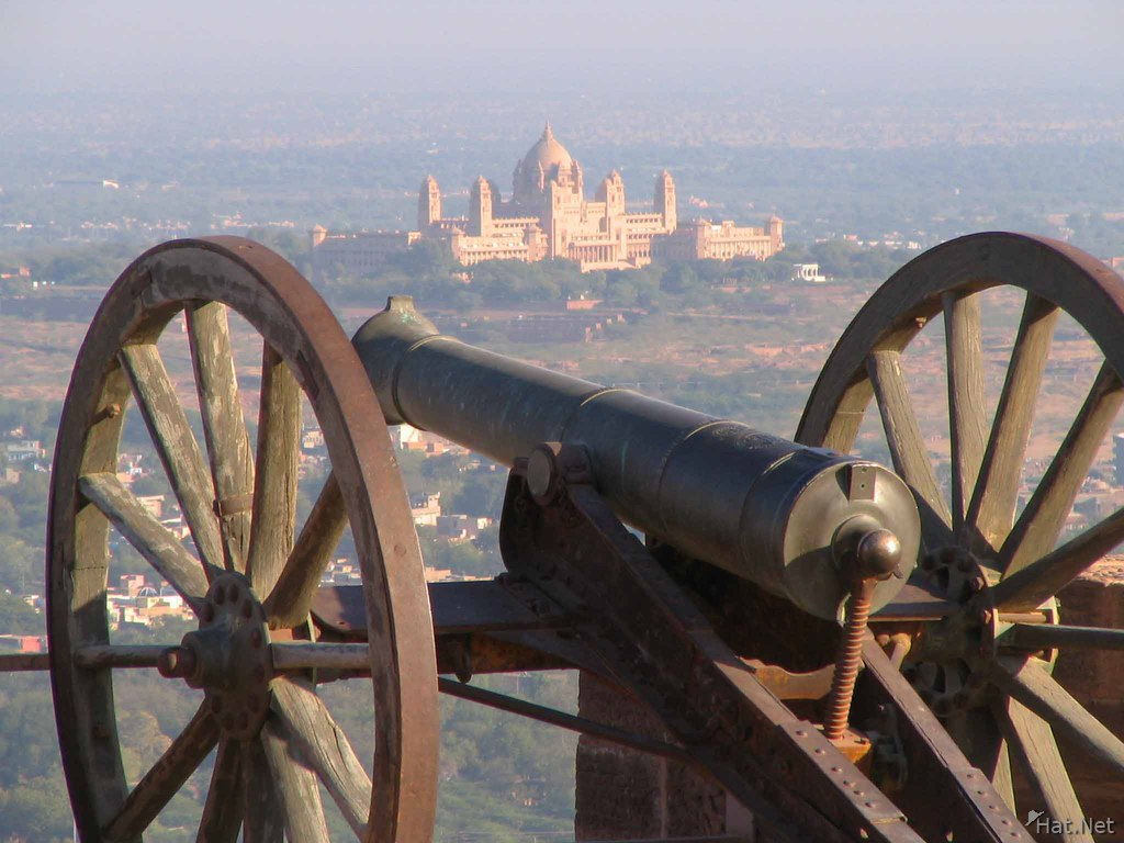 royal army cannon facing umaid bhawan palace