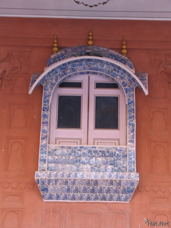 window of phool mahal