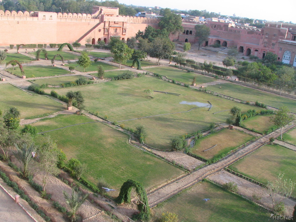 courtyard outside junagarh