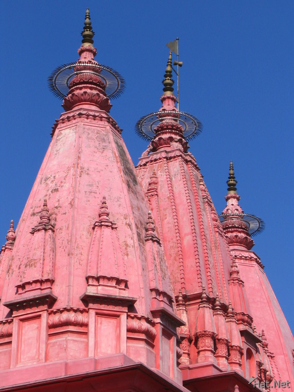 roof of red temple in haridwar