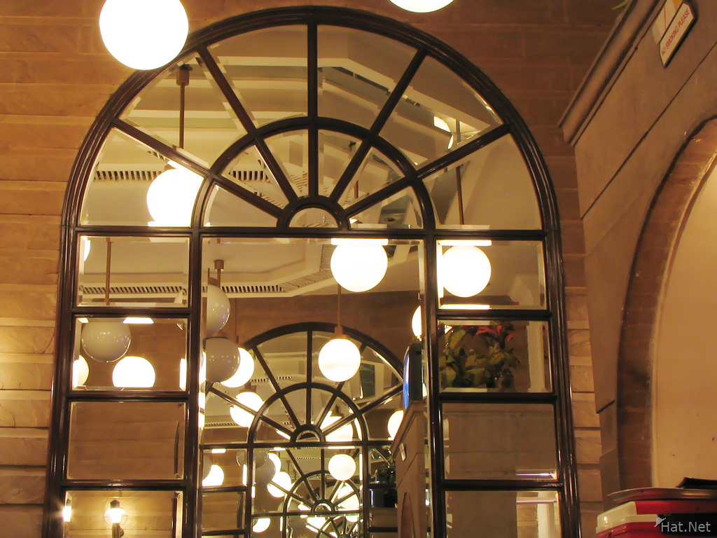 the host resturant in connaught place