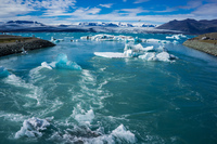 20160728155258_Jokulsarlon_Glacier_ice_floats