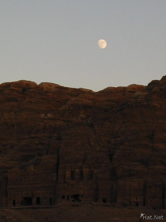 moon rise over the tombs
