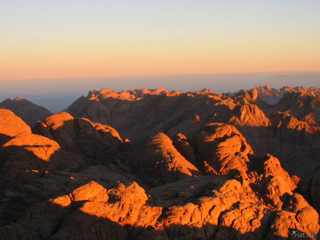 sinai sea of mountains