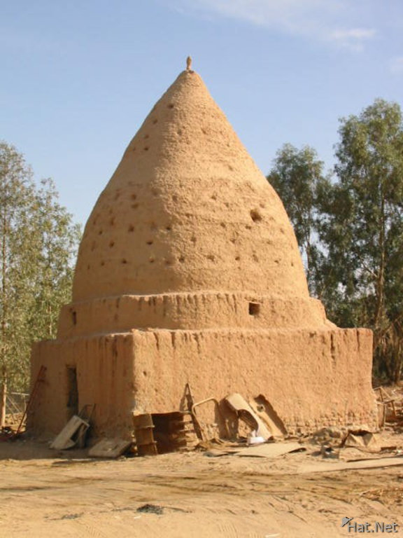 beehive house at bahariyya
