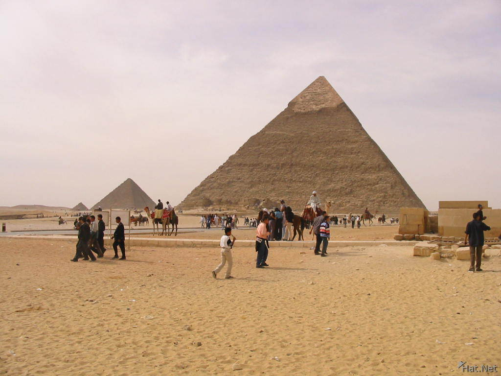 no foreign tourists around pyramid s
