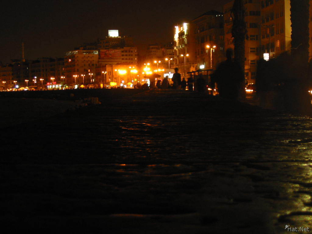 night time at corniche
