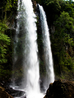20091002120110_macuco_waterfall