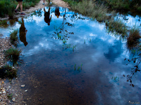 20091106115056_view--hikers_reflection