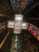 20091112153718_cross_above_cathedral_metropolitana