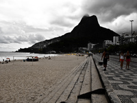 20091113151738_ipanema_beach