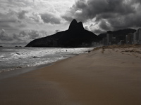 20091113154100_favela_of_ipanema