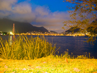 20091113194028_lagoa_at_night